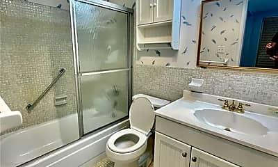Kitchen, 911 Washington Ave SW 111, 1