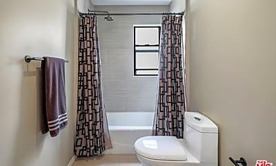 Bathroom, 432 S Hamel Rd 202, 2