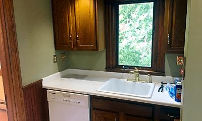 Kitchen, 51 Avon St, 2