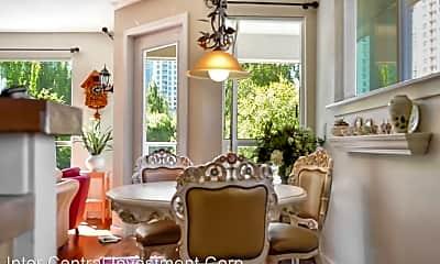 Living Room, 925 110th Ave NE, 1