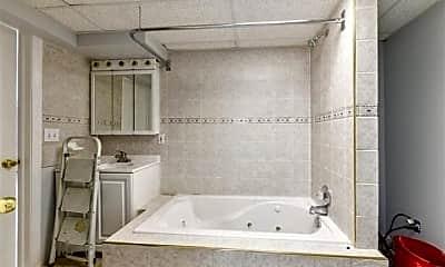 Bathroom, 46564 Mornington Rd, 2