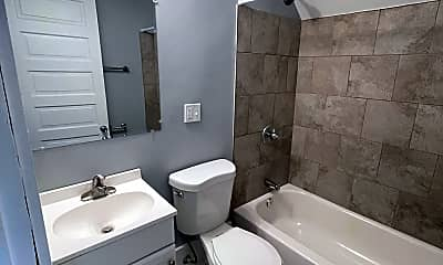 Bathroom, 2311 Burnet Ave, 1