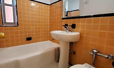 Bathroom, 33-15 81st St, 2