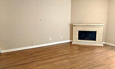 Living Room, 4900 Fremont Ave N, 1