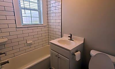 Bathroom, 405 N Spring St, 1