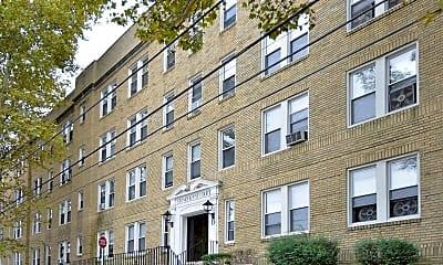Building, Stonehurst Court Apartments, 2