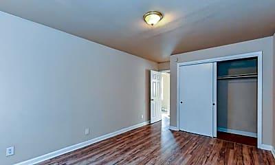 Bedroom, 1701 Remount Rd, 2