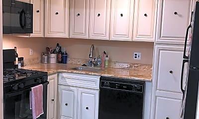 Kitchen, 240 Monroe St 6, 2