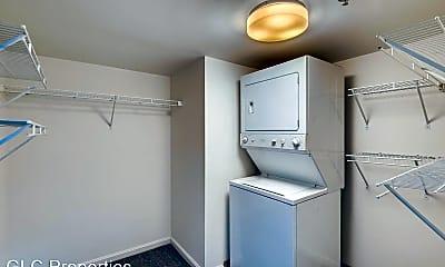 Bathroom, 300 N Charles St, 2