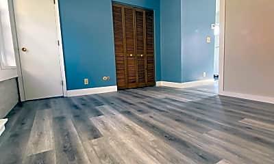 Living Room, 1701 Fulton Rd, 1
