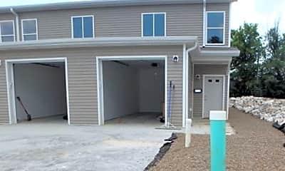Building, 206 Tyler St, 1