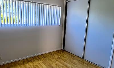 Living Room, 15106 Magnolia Blvd. Apt. 6, 2
