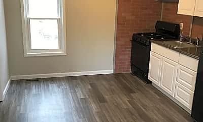 Living Room, 248 Dodge St, 1