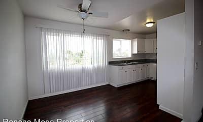 Living Room, 1690 Klauber Ave, 1