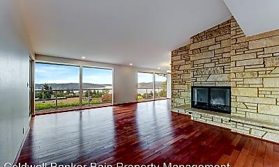 Living Room, 7718 S 117th St, 1