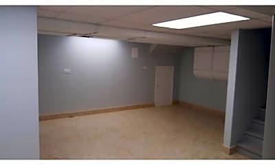 Kitchen, 7601 Brookbank Rd, 2