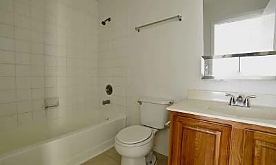 Bathroom, Riverwalk I Preservation, 2