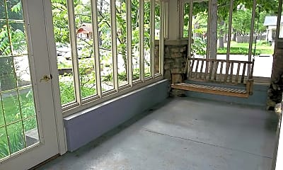 Patio / Deck, 651 Whedbee St., Upper, 1