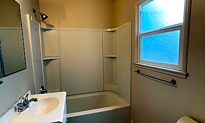 Bathroom, 141 Oak Ave, 2