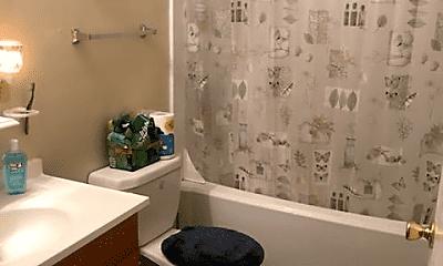 Bathroom, 861 Buchanan Trail E, 2