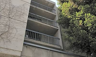 Westwood Gallery Apartments, 2