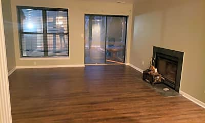 Living Room, 39 Paladin Dr, 1