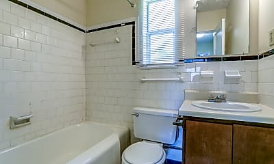 Bathroom, Sylacauga Oaks, 2