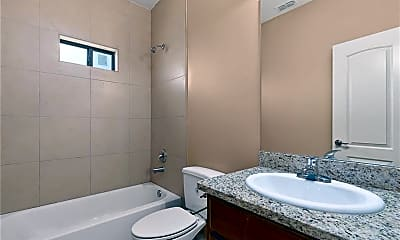 Bathroom, 1112 W Eisenhower St D, 2