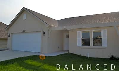 Building, 5337 NW Lana Ct, 1