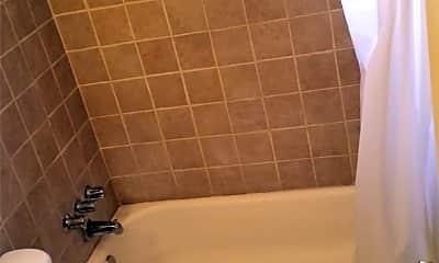 Bathroom, 2621 Edison Ave, 2