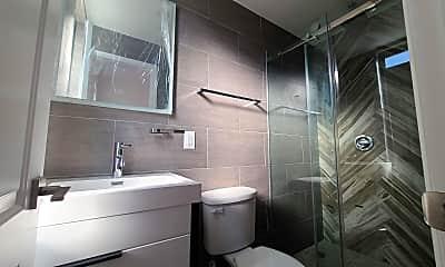 Bathroom, 741 Van Duzer St, 2