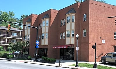 Building, 2240 N High St, 1