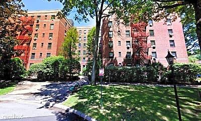 Building, 616 Larchmont Acres, 0