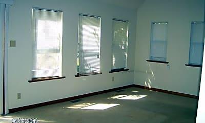 Building, 3111 S Ridge Dr, 1