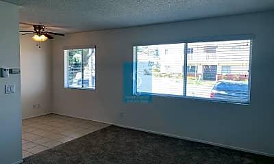 Living Room, 25246 Bigelow Rd, 2