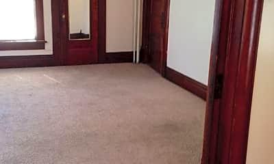 Bedroom, 303 N Pennsylvania Ave, 1