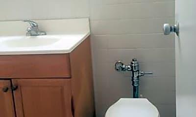 Bathroom, 501 Sheridan Rd, 2