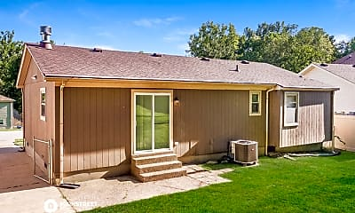 Building, 5619 Wooded Lake Dr, 2