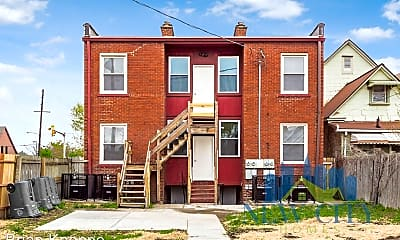 Building, 925 W Town St, 2