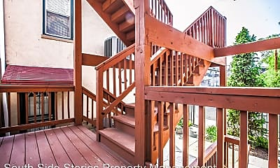 Patio / Deck, 4357 S Calumet Ave, 2