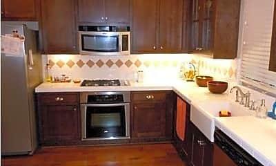 Kitchen, 1429 Dahlia Loop, 1
