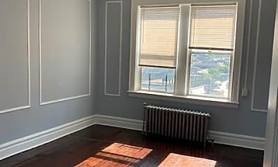 Living Room, 49 S Clinton St, 1
