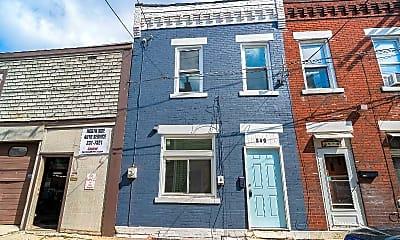 Building, 840 Blossom Way, 1