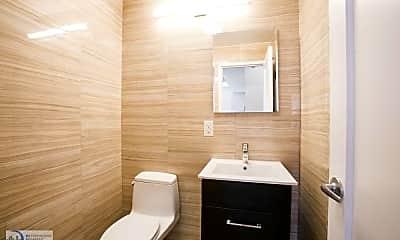 Bathroom, 270 W 70th St, 1