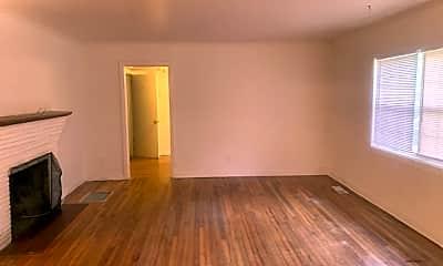 Living Room, 221 Westridge Dr, 1