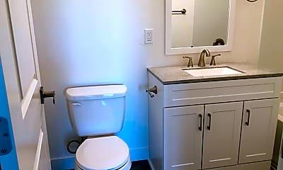 Bathroom, Traverse, 2