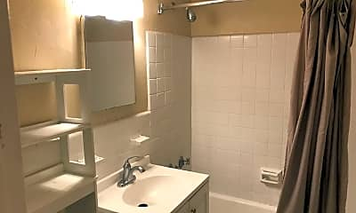 Bathroom, 940 25th St NW 607, 2