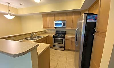 Kitchen, 2000 Meadow Ct, 1