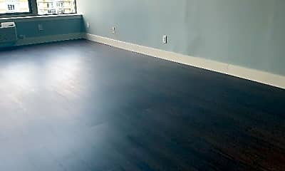 Living Room, 7600 River Rd, 2
