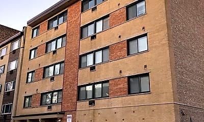 Building, 6611 N Sheridan Rd 304, 0